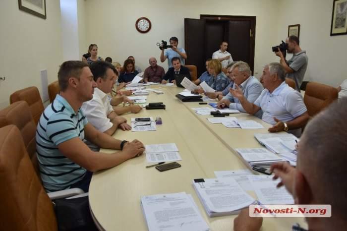 Возле николаевского ДК Молодежный хотят вырубить более ста деревьев