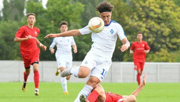 Динамо забило восемь голов Шкендии в Юношеской лиге УЕФА: видео